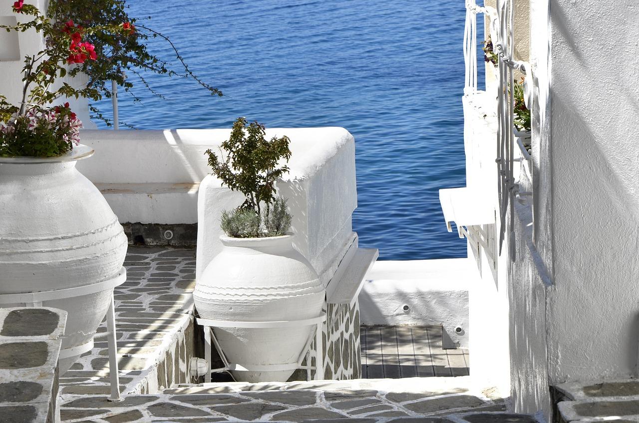 Hotel Zero Energy e mobilità sostenibile nelle isole del Mar Egeo (Grecia)